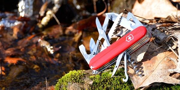 couteau suisse camp